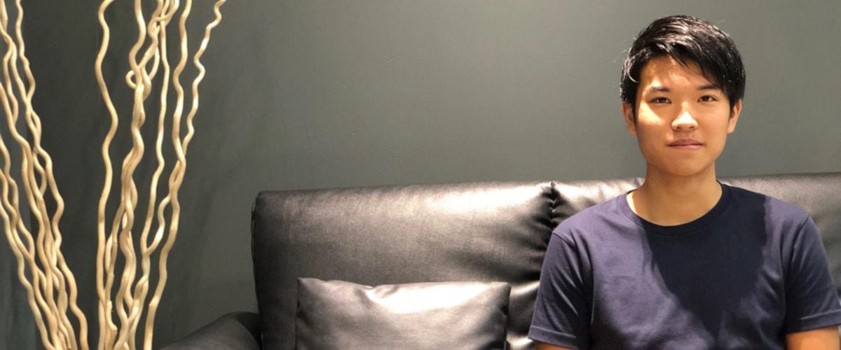 山崎君にインタビュー